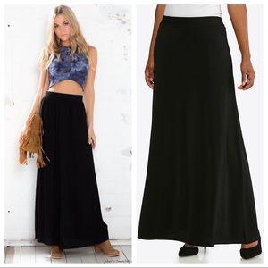 Black long maxi skirt size large